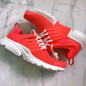 Nike Shoes - Nike presto
